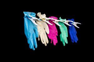 Koop wegwerphandschoenen voor bescherming tegen spatvirus