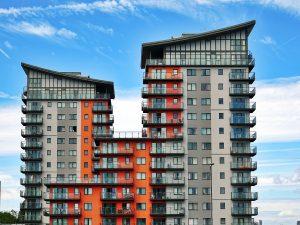 Hoe u een woning via een makelaar kunt kopen